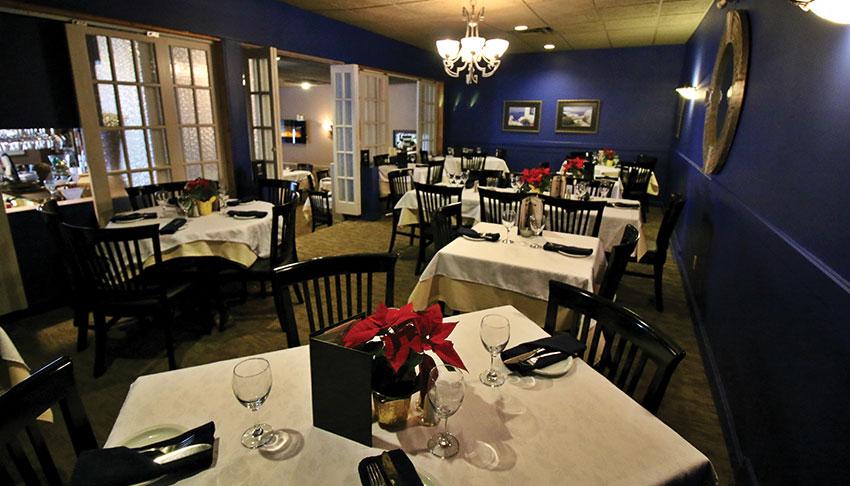 Apollo-Restaurant-Sudbury-Ontario-Dining-Room