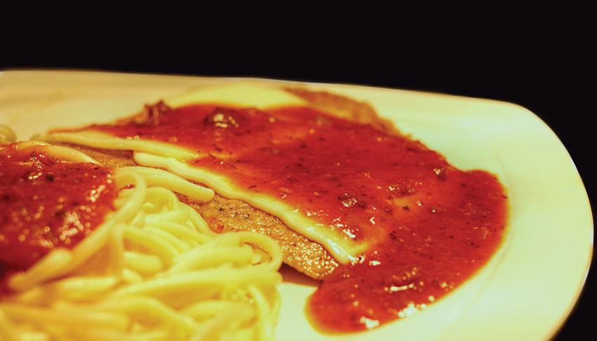 Apollo-Restaurant-Sudbury-Ontario-Veal-Parmesan-Spaghetti