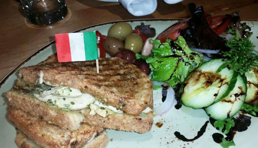 Di-Gusto-Restaurant-Sudbury-Ontario-Chicken-Pesto-Panini-Sandwich-Asiago