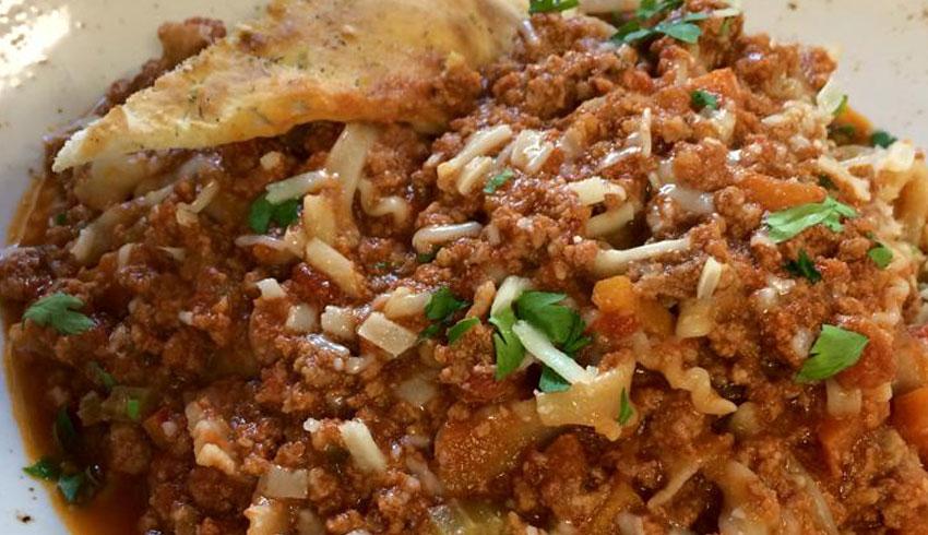 Di-Gusto-Restaurant-Sudbury-Ontario-Fettucine-Bolognese