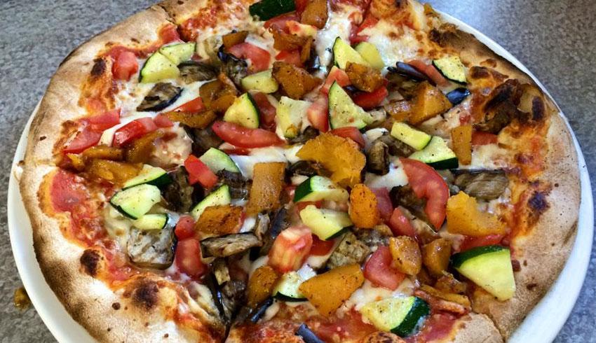Di-Gusto-Restaurant-Sudbury-Ontario-Ratatouille-inspired-pizza