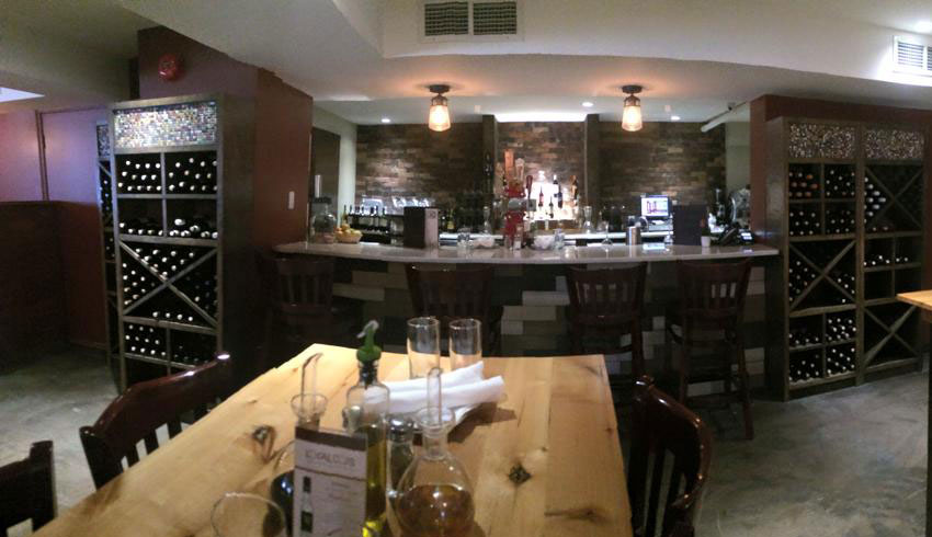 Di-Gusto-Restaurant-Sudbury-Ontario-Wine-Bar