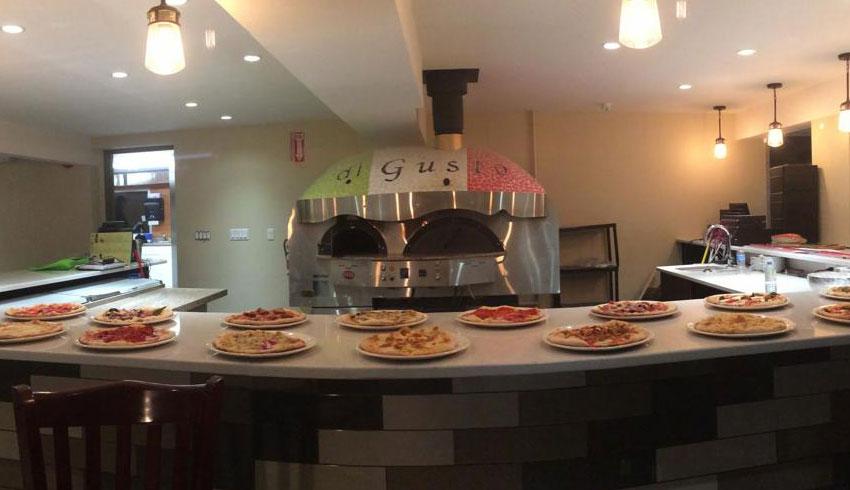 Di-Gusto-Restaurant-Sudbury-Ontario-Wood-Fired-Pizza-Oven-Pizzas