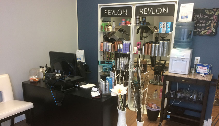 hair-to-live-for-sudbury-ontario-hair-2-live-for-beauty-salon-hairdressing-reception