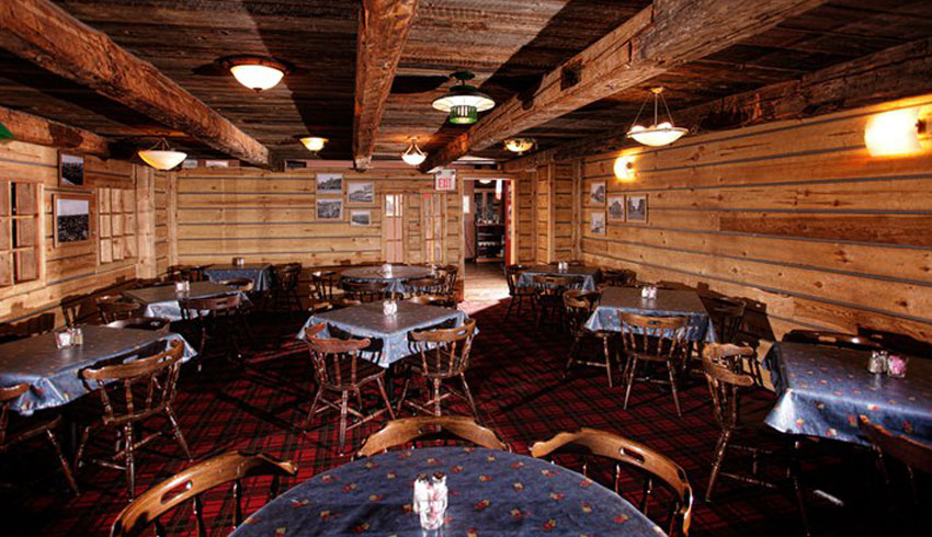 MIC-Canadian-Eatery-and-Whiskey-Pub-M.I.C.-Restaurant-Sudbury-Ontario-Log-Cabin