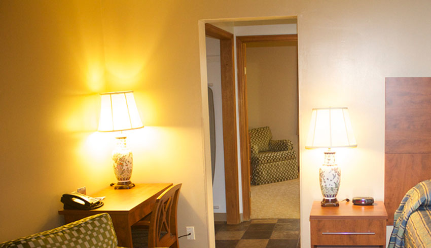 Moonlight-Inn-Suites-Sudbury-Ontario-Hotels-Motels-Accommodations-Adjoining-Hotel-Rooms