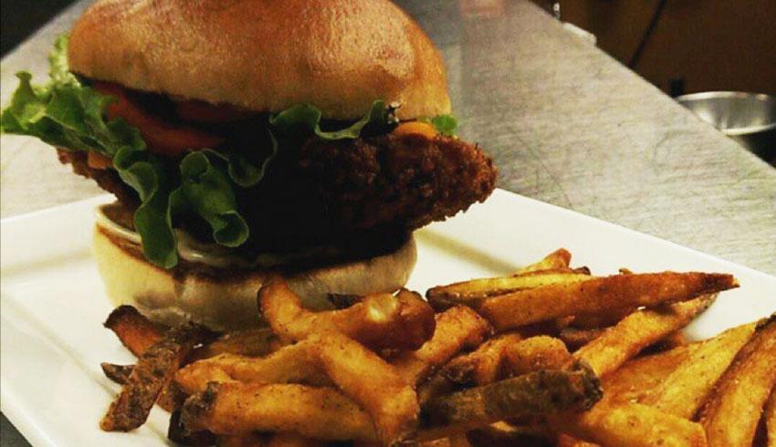 oscars-grill-sudbury-ontario-fried-killarney-whitefish-sandwhich-fish-burger-fresh-cut-french-fries