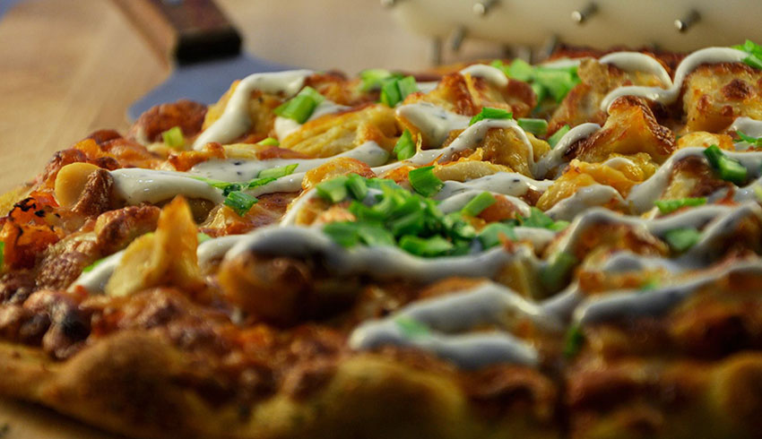 Overtime-Sports-Bar-Grill-Sudbury-Ontario-Buffalo-Chicken-Pizza-and-Flatbreads
