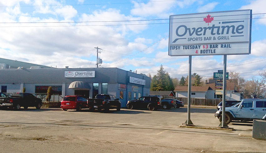 Overtime-Sports-Bar-Grill-Sudbury-Ontario-Restaurant-Catering-Pubs-Outside