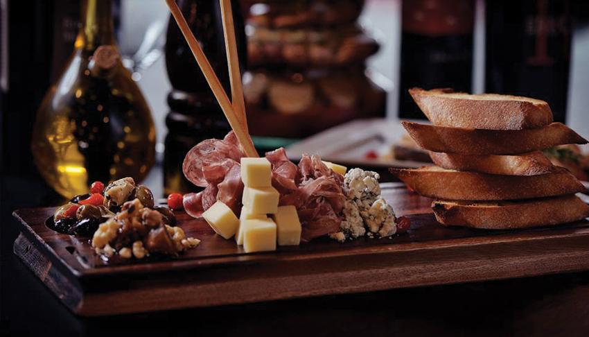 P&M-Kouzzina-Sudbury-Ontario-Mediterranean-Cuisine-Italian-Restaurant-Antipasto-Board