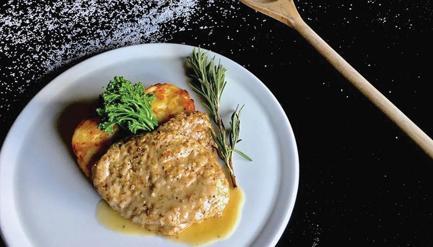 P&M-Kouzzina-Sudbury-Ontario-Mediterranean-Cuisine-Italian-Restaurant-Greek-Menu-Special