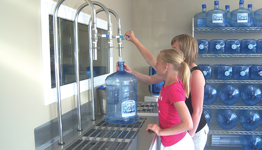 Purifiner-Sudbury-Ontario-Water-U-Fill-Station-Filtered-Water-Bottled-Water