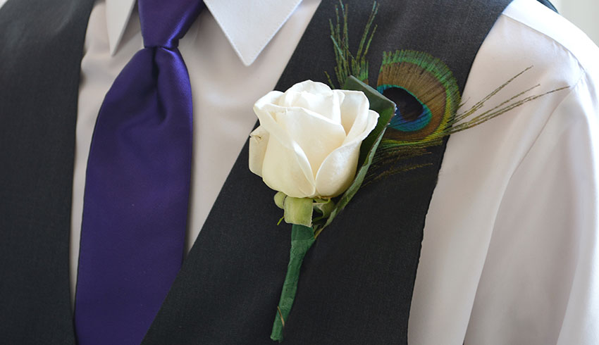Regency-Wine-and-Flowers-Sudbury-Ontario-custom-made-mans-boutonniere-for-wedding-or-any-occasion-inexpensive