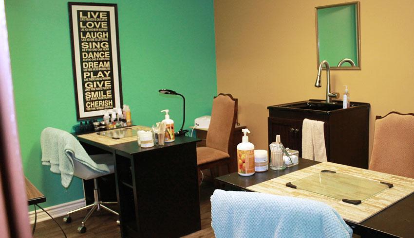 Serendipity-Day-Spa-on-Durham-Sudbury-Ontario-Manicure-Room-Nail-Salon