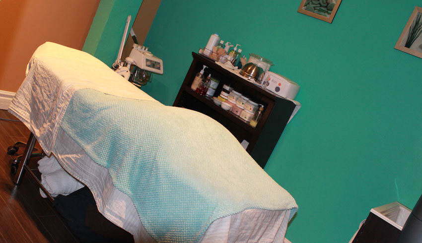 Serendipity-Day-Spa-on-Durham-Sudbury-Ontario-Massage-Therapy-Room