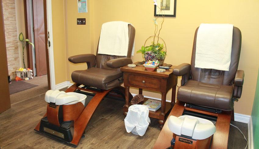 Serendipity-Day-Spa-on-Durham-Sudbury-Ontario-Pedicure-Chairs