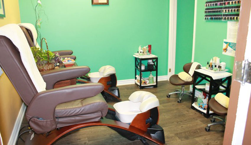 Serendipity-Day-Spa-on-Durham-Sudbury-Ontario-Pedicure-Room-Chairs