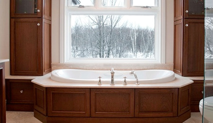 sudbury-hearth-home-sudbury-ontario-bathroom-remodelling-soaker-bathtub-custom-woodwork